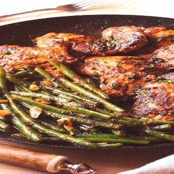 Chicken Thighs with Green Beans in Lemon Garlic Butter Sauce Chicken Thighs with Green Beans in Lem