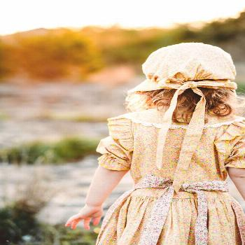 ReliBeauty Pioneer Girl Costume Laura Ingalls Wilder Dress Yellow $33.99 · This costume is a 19th