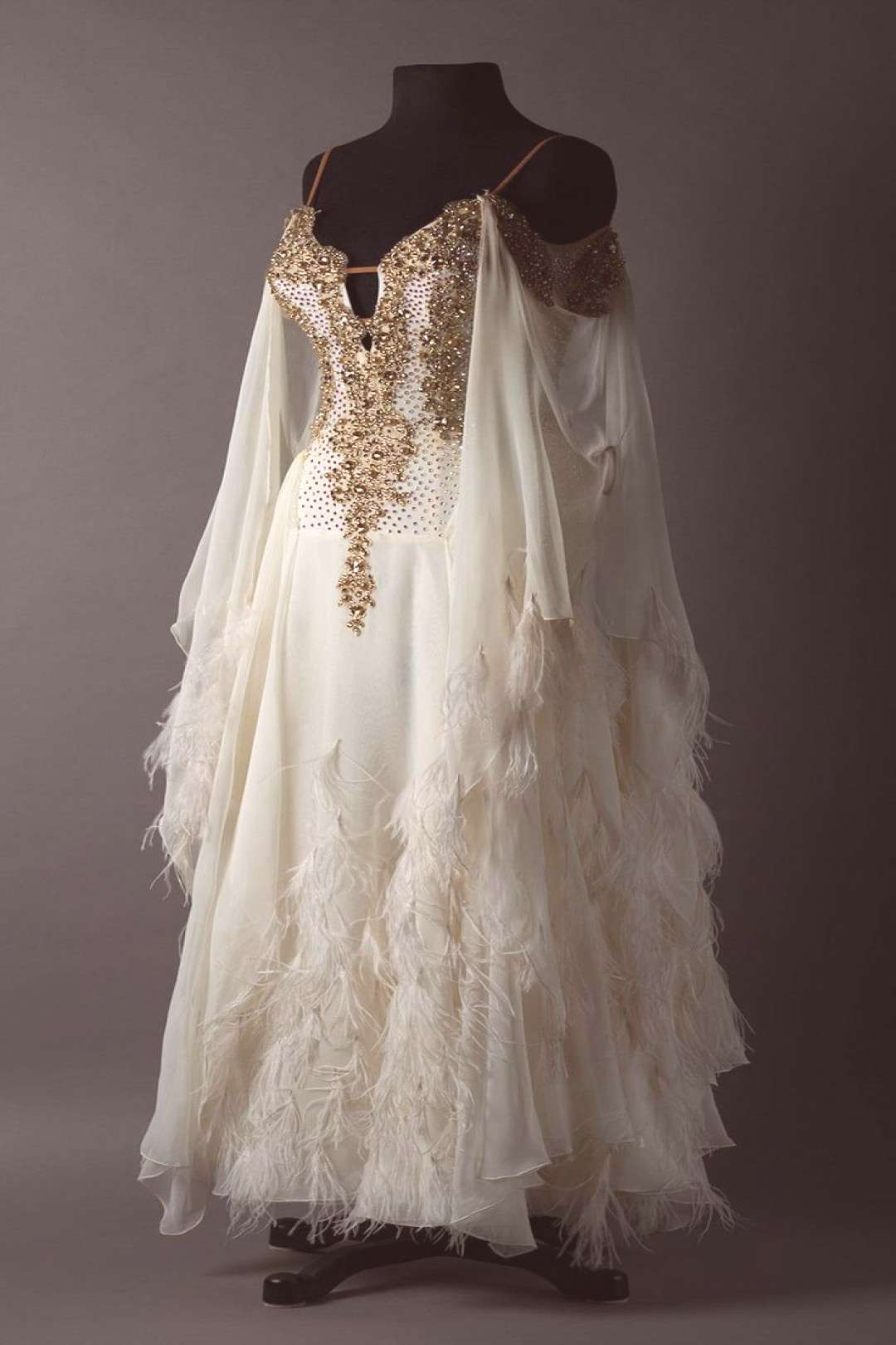 French vanilla chiffon standard with gold lace and wispy feathers - content -