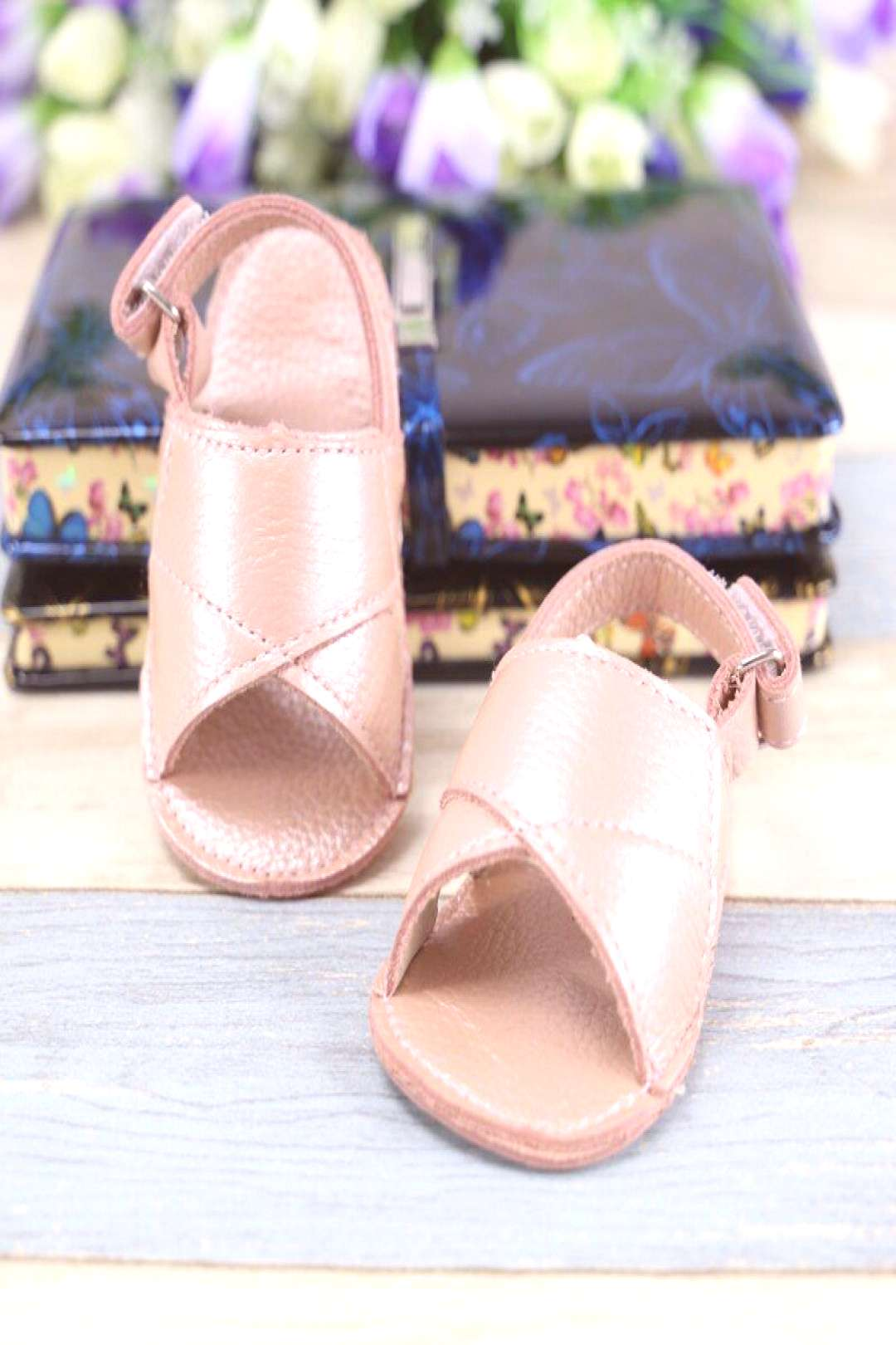 Wholesale Baby girls Sandals Genuine leather Clogs Baby moccasins Hollow out Toddler Baby girls Sho